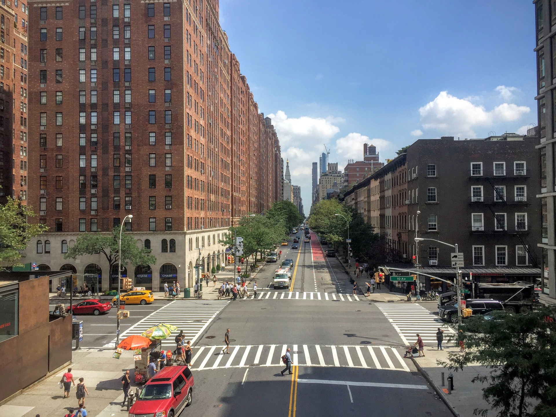 Learn more about the many neighborhoods in the city before looking for an apartment.